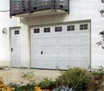 Секционные гаражные автоматические ворота ЭкоКлассик и ЭкоТерм HORMANN для частного применения.